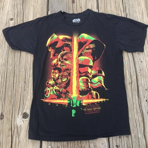 Star Wars the force awakens shirt size medium